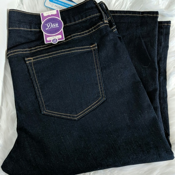 Old Navy Pants - NEW OLD NAVY DIVA Stretch Crop Jeans